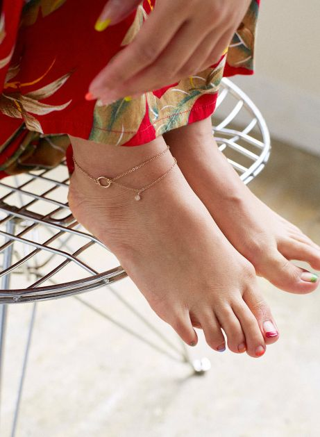 point w chain anklet