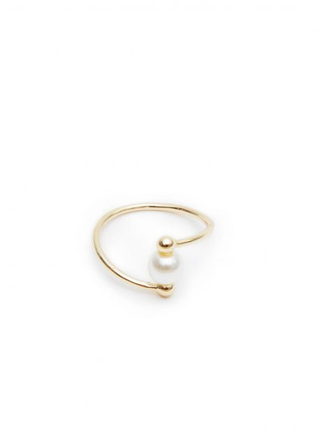 central one pearl ring